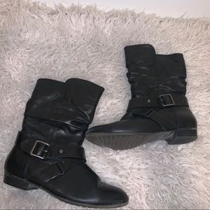 Black short leather boots 7 Aldo